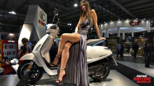 Girls Babes of EICMA 2018 (21)
