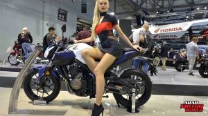 Girls Babes of EICMA 2018 (22)
