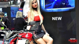 Girls Babes of EICMA 2018 (26)