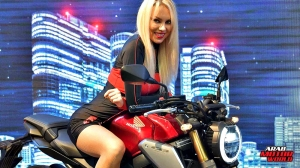 Girls Babes of EICMA 2018 (27)