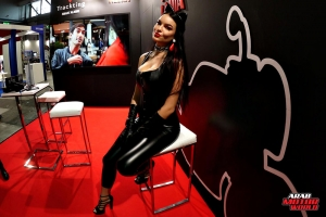 Girls Babes of EICMA 2018 (6)