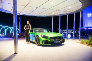 Mercedes-AMG GT 4-Door Coupe (8)