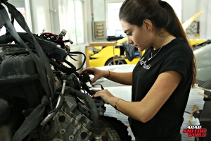 Rana Hayek The Female Mechanic She Challenges (4)