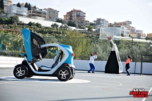 Renault-Twizy-Test-Drive-Arab-Motor-World-06