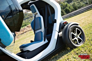 Renault-Twizy-Test-Drive-Arab-Motor-World-08