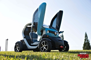 Renault-Twizy-Test-Drive-Arab-Motor-World-10