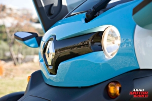 Renault-Twizy-Test-Drive-Arab-Motor-World-11