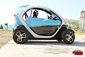 Renault-Twizy-Test-Drive-Arab-Motor-World-21