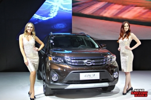The Girls of Dubai Motor Show (22)