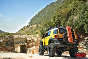Toyota-FJ-Cruiser-the-Yellow-Crawler-Arab-Motor-World-03