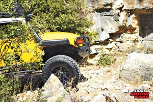 Toyota-FJ-Cruiser-the-Yellow-Crawler-Arab-Motor-World-10